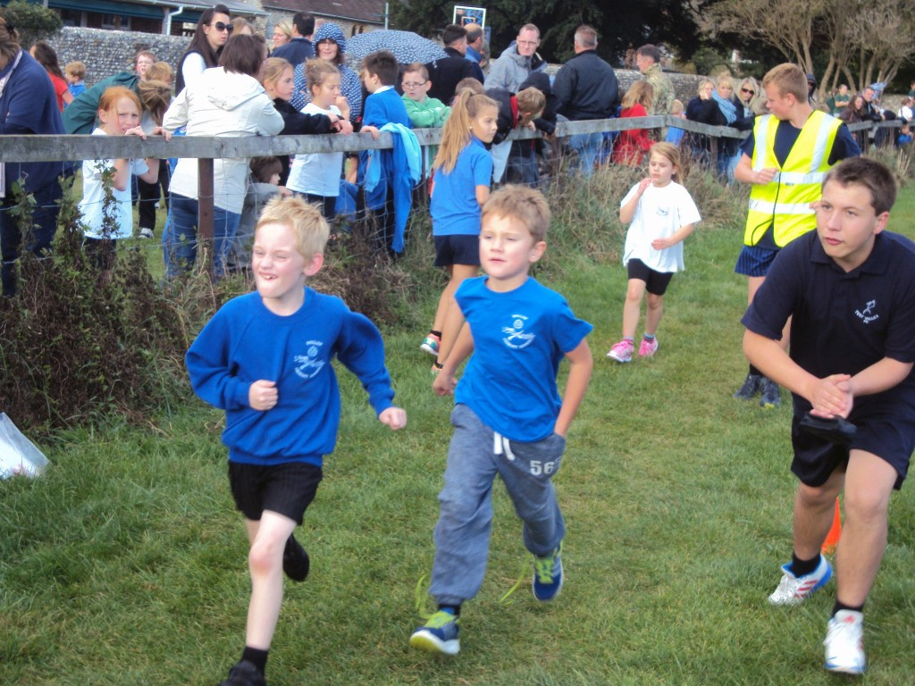 Pupils running in the Primary Schools Cross Country 2014 race
