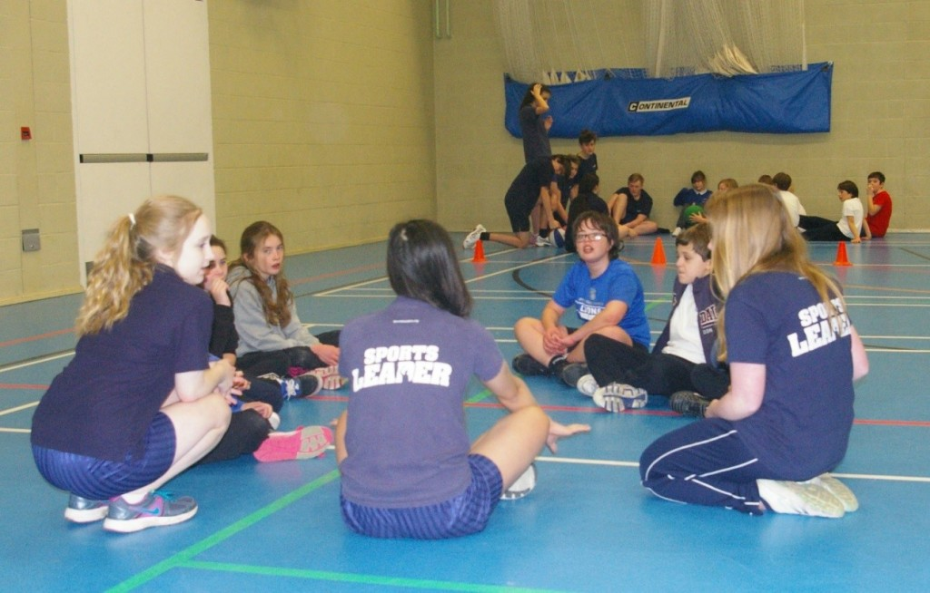 The Leaders held team talks and discussions during the skills assessments and game activities to evaluate the pupils' learning and understanding.